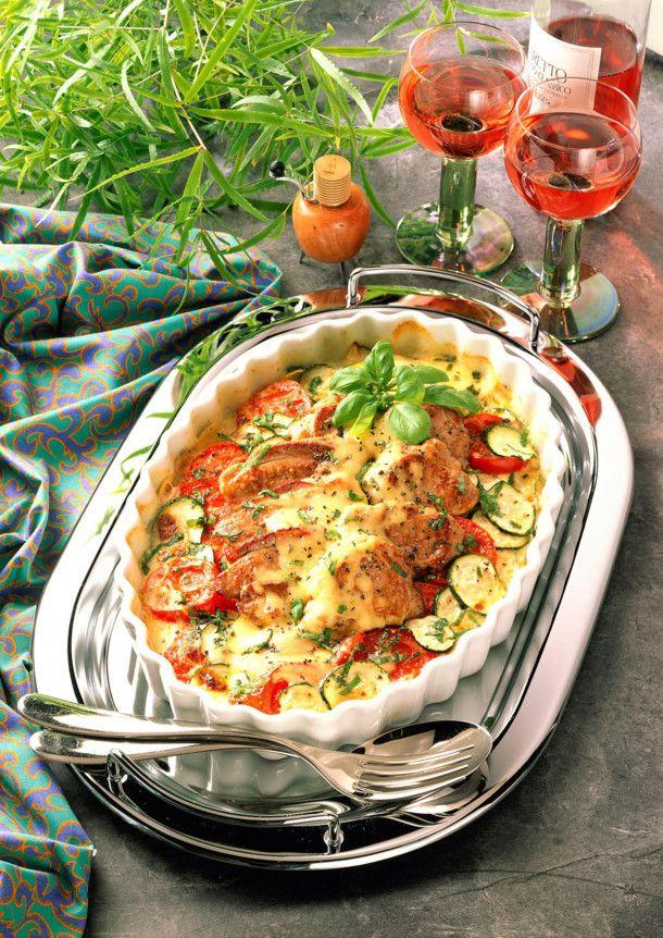 Unser beliebtes Rezept für Tomaten-Zucchini-Gratin mit Schweinefilet und mehr als 55.000 weitere kostenlose Rezepte auf LECKER.de.
