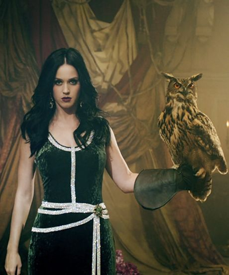 """Katy Perry Gets Surreal In Her """"Unconditionally"""" Video #refinery29"""