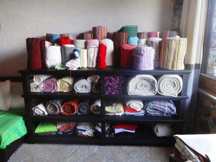 Quiero compartir lo último que he añadido a mi tienda de #etsy: Colchas artesanales hechas por artesanos Oaxacaqueños http://etsy.me/2EDpuxc #articulosdelhogar #dormitorio #ropadecama #algodon #telares #artesanal #colchas #matrimoniales #queensize