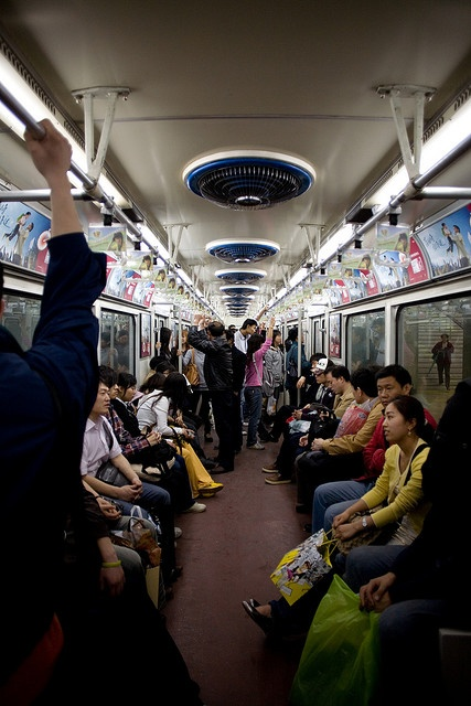Beijing subway - expanding in huge speed, but always full    #china #photography #subway
