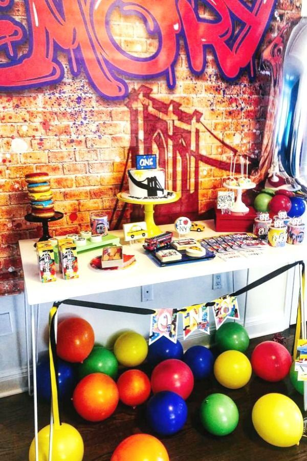 Graffiti New York Brooklyn Theme Birthday Party Ideas Photo 1 Of 15 In 2020 1st Birthday Parties Birthday Party Themes Birthday Party Decorations