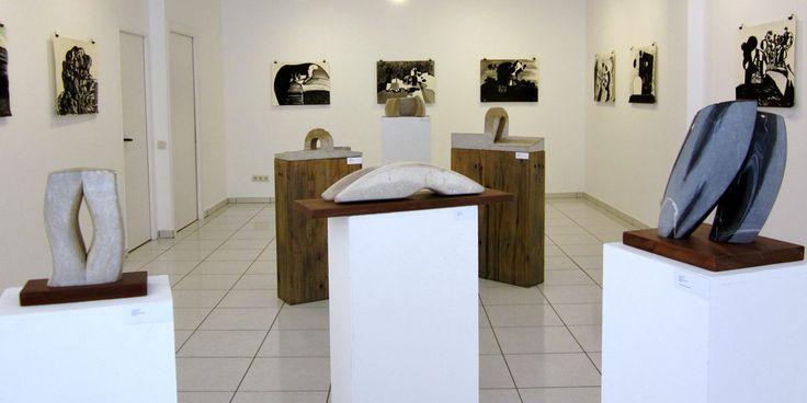 """Exposición de Rafael Cuartielles (dibujos) y Joan Escudé (esculturas) """"Una amistat, línies i formes"""""""