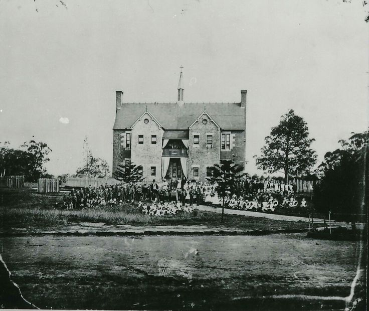 Children and staff assembled in front of the hospital at Parramatta Roman Catholic Orphan School in 1877. •Parramatta Heritage Centre•