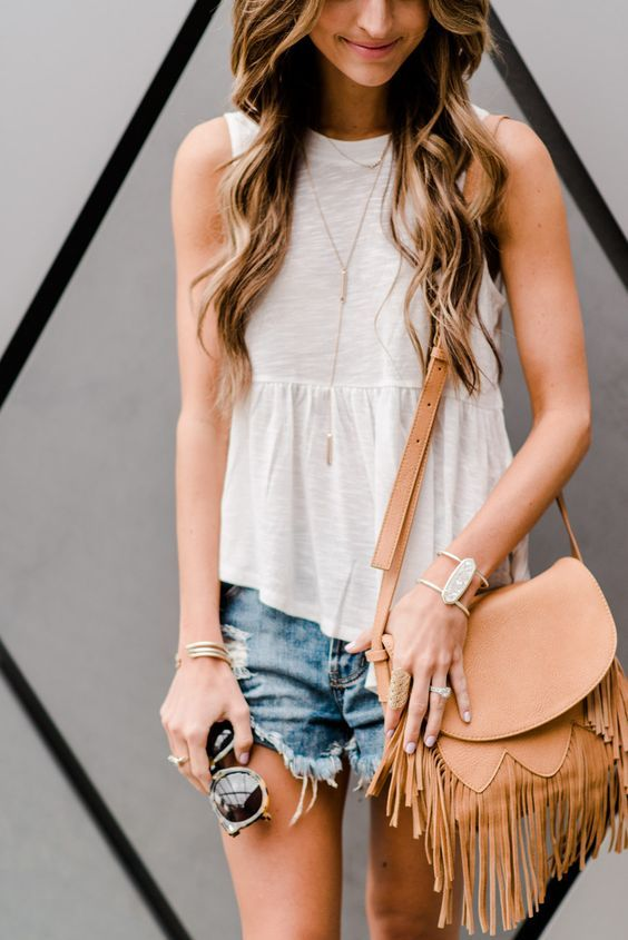 white tank   cut-offs   kendra scott jewelry