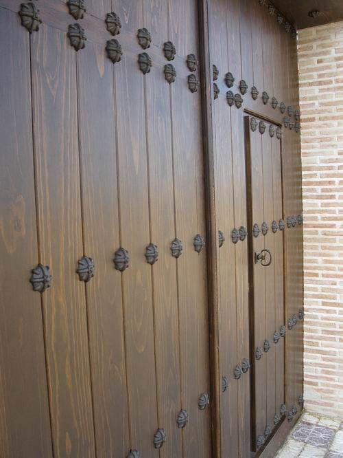Forja noble herrajes de forja para puertas rusticas y - Puertas rusticas de madera ...