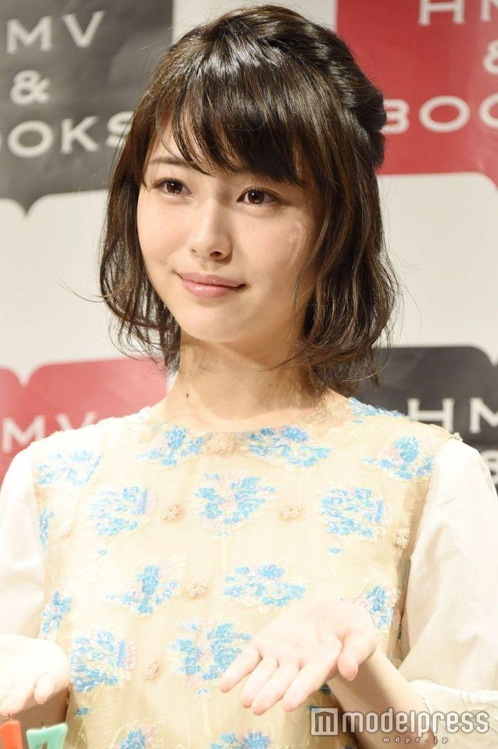 """(画像14/15)浜辺美波、""""史上初""""の快挙達成 サプライズに笑顔"""