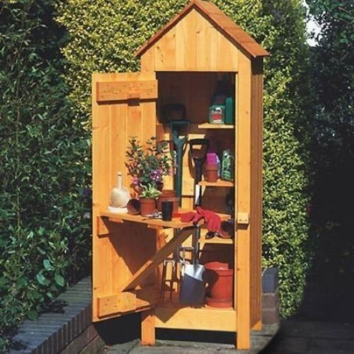 The Gardeners Tool Shed is the ideal storage solution for smaller gardens or patio areas. The clever feature of a drop leaf table attached to the rear of the door gives you a small potting or work area adding to the charm of this compact unit. That along with three built in shelves makes this a perfect potting shed whilst storing all you garden essentials. Constructed from thick, smooth planed Scandinavian Redwood tongue and groove boarding, the shed is supplied in a natural finish which…