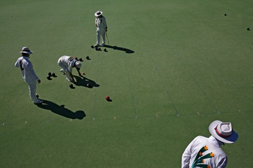 The Novar Gardens Bowling Club management, staff and members would like to take this opportunity to extend an open invitation to all people interested in the sport of lawn bowls whether you are an experienced bowler or someone who is just starting out and looking to explore.