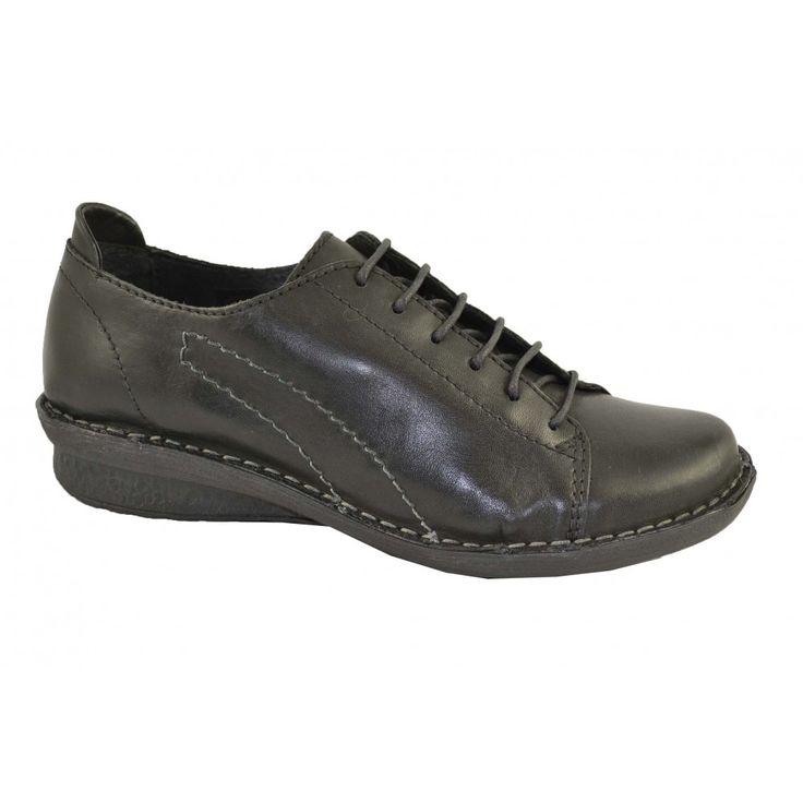#Zapatos con cordones fabricados con materiales de pieles suaves y suelas de goma. Cuña de 3cm de altura y cierre cordonera central de la firma PORRONET