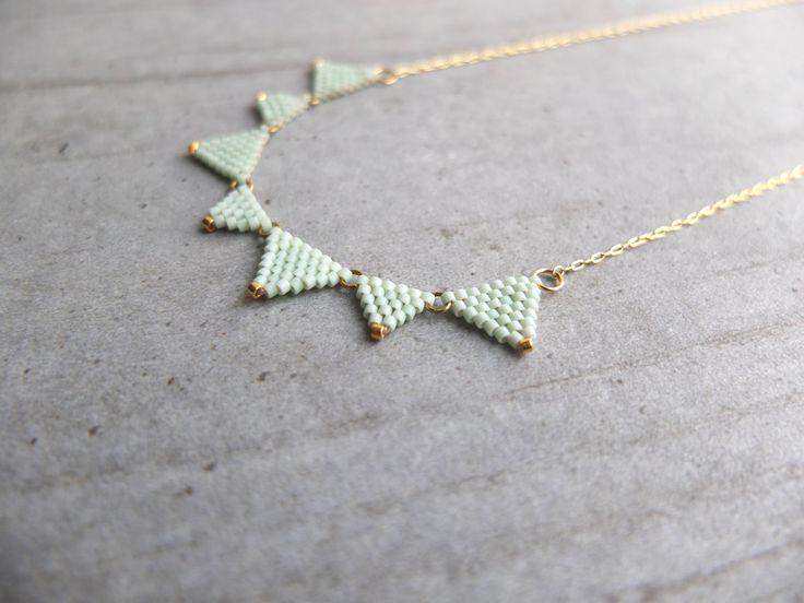 Collier fanions perles de verre Miyuki / plaqué or