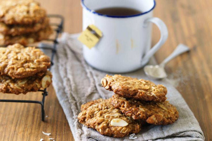 Orange and almond Anzac biscuits http://www.taste.com.au/recipes/23526/orange+and+almond+anzac+biscuits #recipes #anzac #biscuits