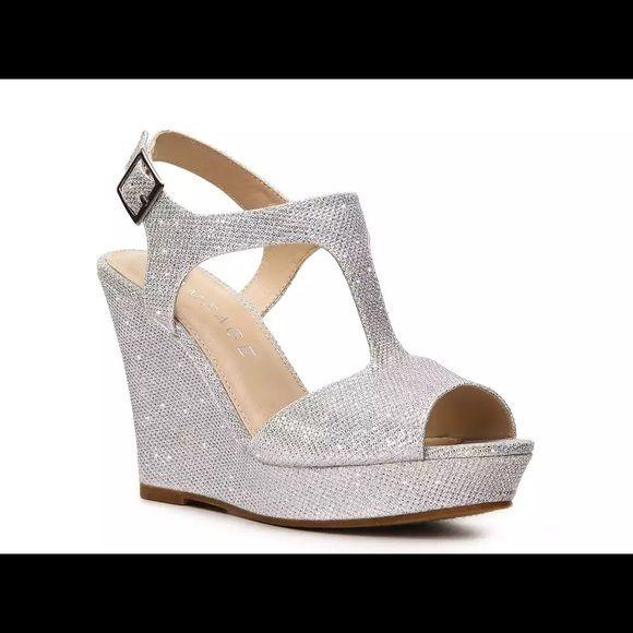 Nina Womens Ella Peep Toe Bridal Ankle Strap Sandals Royal Silver Size 5 38AE