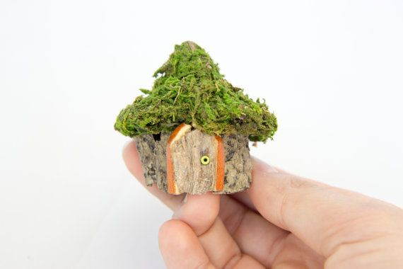 Miniature Fairy House Fairy Garden Fairy by TinkersNTreasures... So tiny!! Want for my desk at work.. Heeheehee