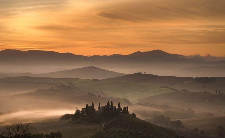 Belvedere Sunrise, Tuscany by Steve Oldfield / Picfair