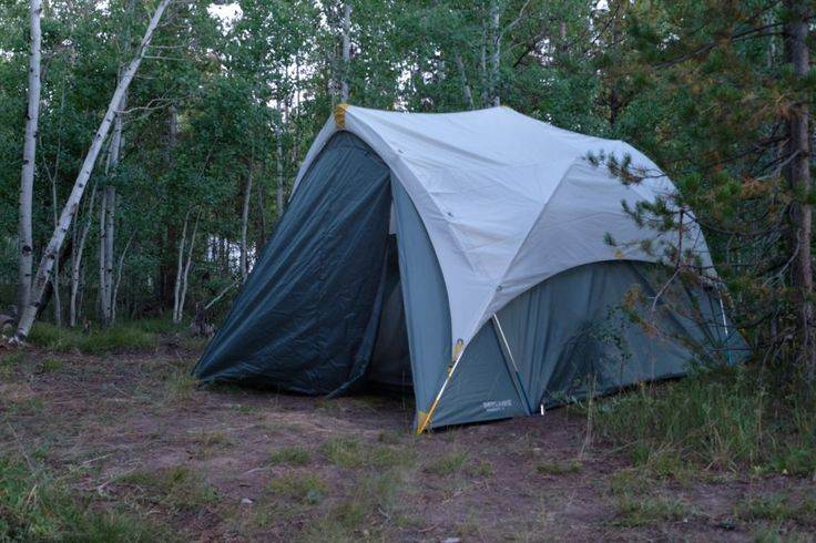 Thermarest Tent Review - Go Adventure Mom http://www.goadventuremom.com/2017/08/thermarest-tent-review/?utm_campaign=coschedule&utm_source=pinterest&utm_medium=Go%20Adventure%20Mom%20&utm_content=Thermarest%20Tent%20Review%20-%20Go%20Adventure%20Mom  Easy set up  Tents from Therm-a-rest are so simple to set up. So, whether you're camping alone or with family, these tents are perfect! I'd recommend having a friend to help, though. Especially the first time, it's always a little tricky to…