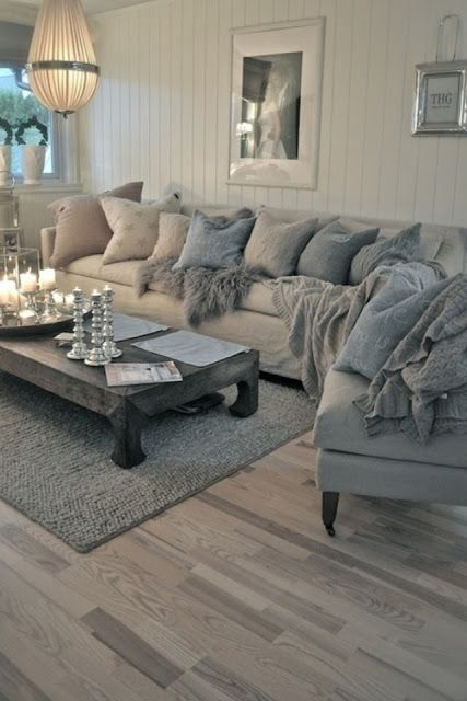 Dramatic grey w turquoise- Living room
