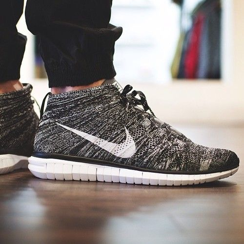 Nike Free Flyknit Chukka Black/Grey-White.