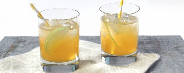 A delicious mocktail for your Thanksgiving dinner! Made even better with a splash of Kombucha Wonder Drink's Traditional!!
