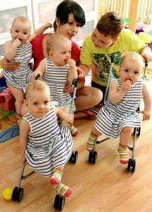 4 egypetéjű iker X Mehnert_Janett & Marcus_Sophie, Laura, Jasmin & Kim_Identical (6 Jan 2013 @ 32 wks) chance of identical quadruplets at 1:13 million