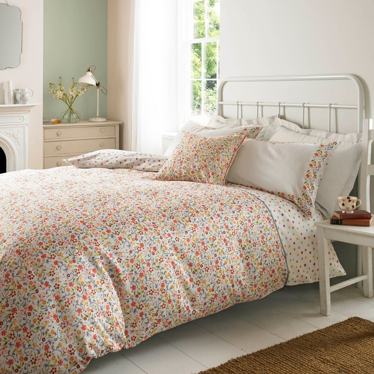 "Emma Bridgewater Bedding for Spring Summer 2017 - ""Printed Spring Floral"" - delicate vintage / shabby chic floral bedding design.  Very Britishly beautiful!"