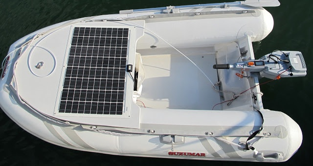 Electric Torqeedo engine with solar Pannel