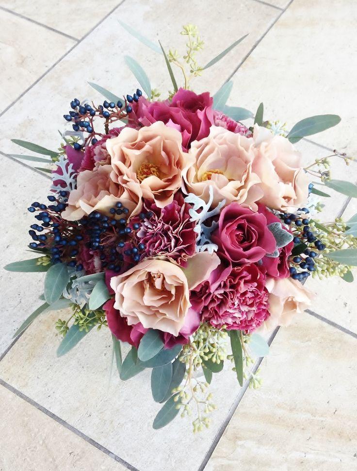 #VressetRose #Wedding #pink #smokypink #Round #bouquet #clutchbouquet #natural #Flower #Bridal #ブレスエットロゼ #ウエディング#ピンク #スモーキーピンク #シンプル #ブーケ #クラッチブーケ # ナチュラル# 花#バラ#カーネーション#ユーカリ #ブライダル#結婚式