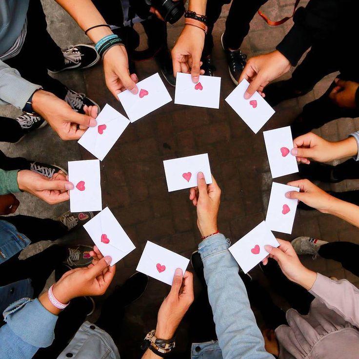 Foto de @fazlushdqie No último fim de semana, aconteceu o 16º InstaMeet Mundial # WWIM16 💌 e pessoas das comunidades de cidades do mundo todo – incluindo Nova Iorque, Jacarta, Taiwan e tantas outras – organizaram seus encontros. Os InstaMeets têm sido parte da nossa comunidade desde os primeiros dias do Instagram. Desta vez, o tema foi ComentáriosGentis. Muitas mensagens carinhosas foram compartilhadas pelo mundo na forma de fotos, vídeos e ilustrações. Você tem correspondência! A Indonésia…