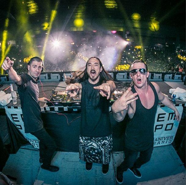 3 Are Legend – Dimitri Vegas & Like Mike & Steve Aoki – Live Set EMPO Awards Mexico http://turnupthebass.net/2014/04/15/3-are-legend-dimitri-vegas-like-mike-steve-aoki-empo-awards-mexico/ #edm #3arelegend