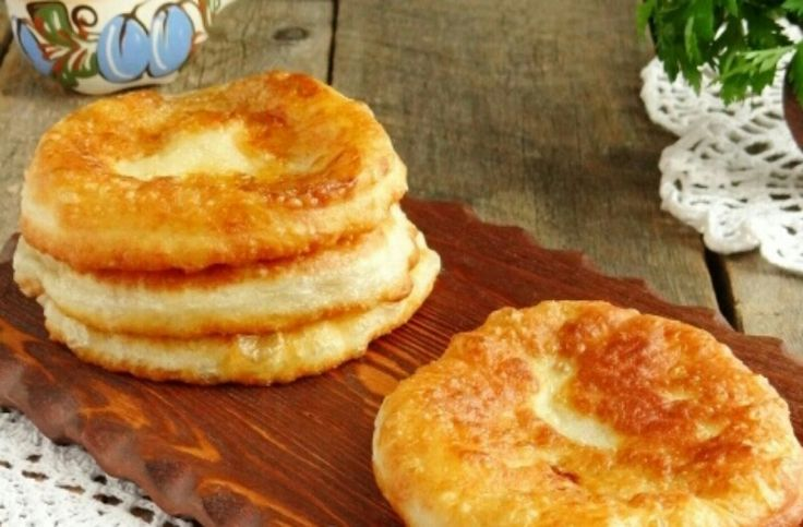Вкуснейшие лепешки с луком на сковороде