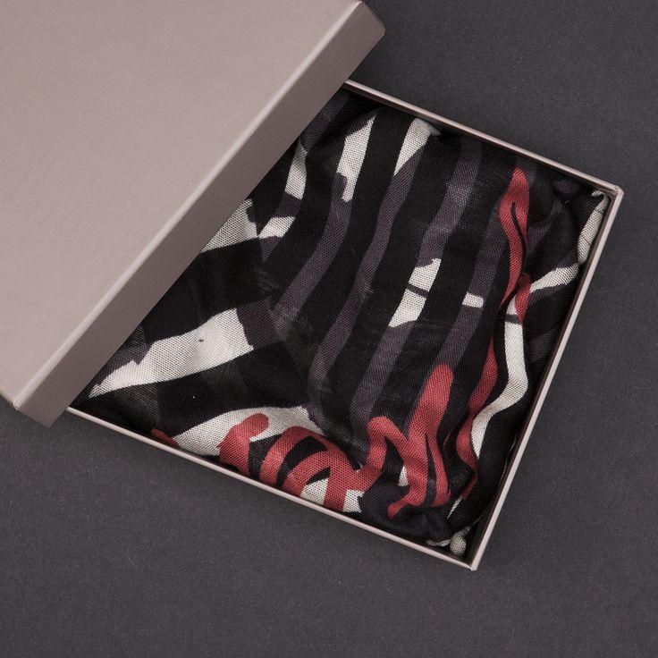 #brandpl #fallwinter14 #fall #winter #autumn #autumnwinter14 #onlinestore #online #store #shopnow #shop #fashion #accessories #scarves #guess #roses #stripes #combo