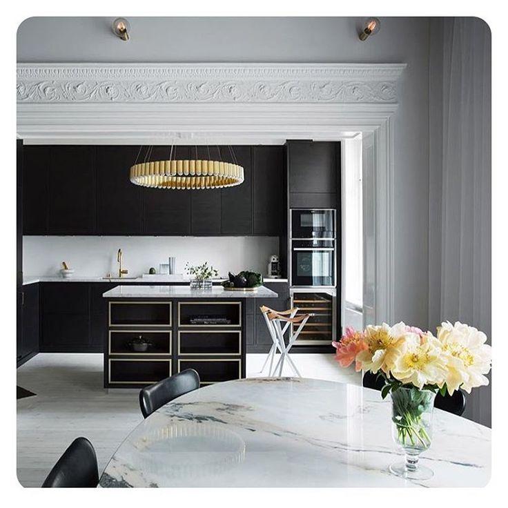 | B l a c k • K i t c h e n | @petratungarden @inredningsfotografen @metromodehome #love #this #kitchen #black #lamp…