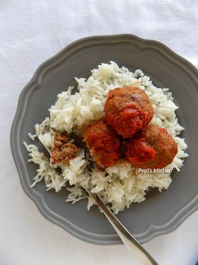 Σουτζουκάκια στο φούρνο http://laxtaristessyntages.blogspot.gr/2012/01/food-styling.html