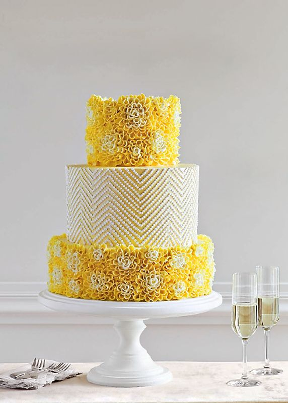 Perfect frosting for a summer wedding cake. Citrus!