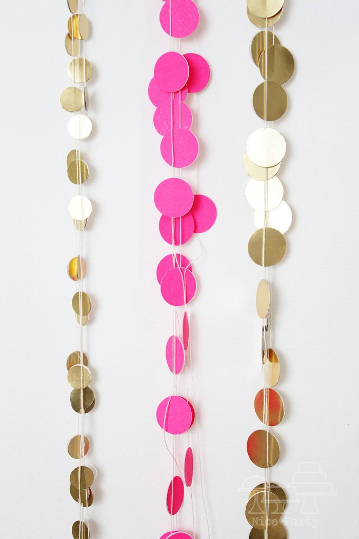 garlands: Wall Decor, Paper Garlands, Circles Garlands, Polka Dots, Parties Ideas, Birthday Parties Decor, Gold Dots, New Years, Gold Parties