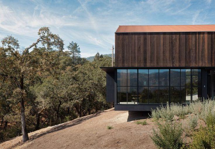 Faulkner Architects perches Big Barn house on Sonoma