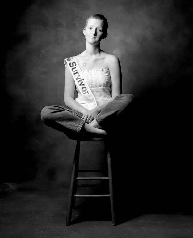 20 Empowering Portraits That Prove Love Is Stronger Than Cancer
