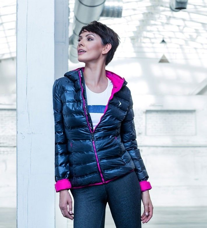 Down jacket is one of the trends for AW16! #outhorn#defineyoursport#women#down#jacket#black#autumn#winter#2016#outfit#style#sportswear#active#lifestyle#gardias#sportup#sportupline