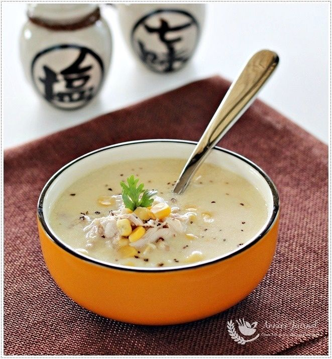 A delicious quick made of this chicken corn soup that was not very creamy as I only had a can of sweet corn kernel and other few ingredients in my pantry. But it is definitely a hearty comfortable soup for everyone at home. Chicken Corn Soup Ingredients: 1 Chicken thigh, deboned 1 can Sweet corn …