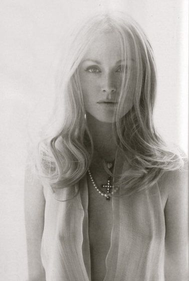 Julianne Moore, stunning