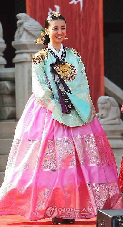 Korean actress Park Ha Sun wearing a hanbok in her role as Queen Inhyeon.
