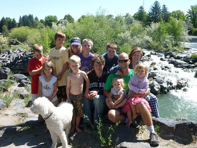 'Are we crazy?' Pioneering family with a dozen children under 19-years-old to roam across the U.S. full-time in RV | Mail Online