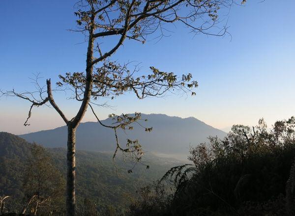 gunung pucak mangu
