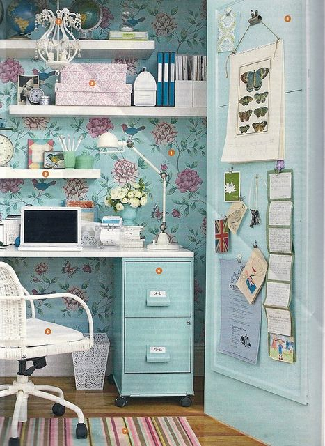 Just lovely. I would love to do this in the hall closet - just remove the door and make a little bump-out office space.