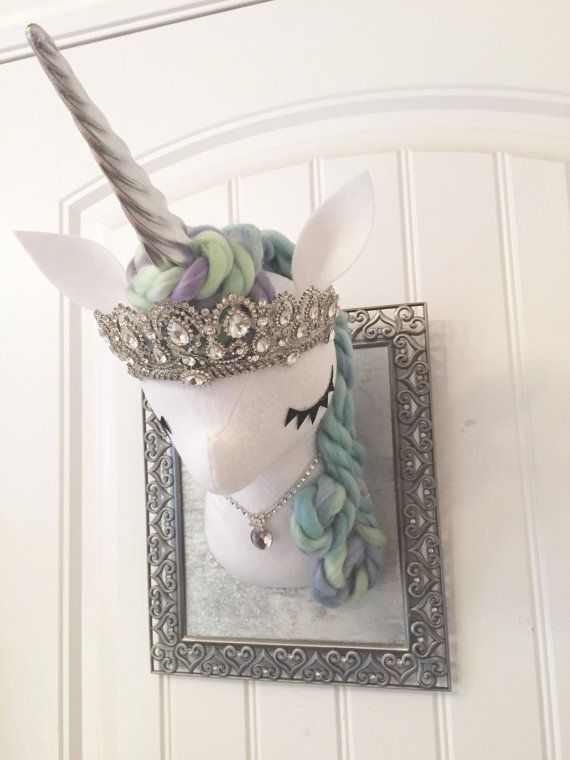 Taxidermia de imitación gran unicornio