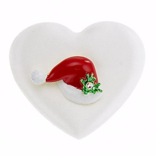 【ゆうメール配送可能】クリスマスにオススメのピンブローチ。サンタの帽子がモチーフのデザイン。キラキラ輝きが華やかな印象です。