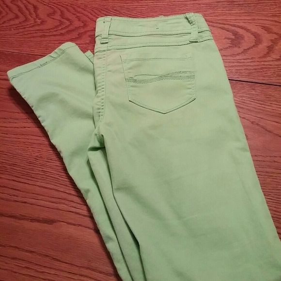 Cool, Crisp, Lime green jeans Cool lime green pants, no wear, no stains or holes SO Jeans Ankle & Cropped