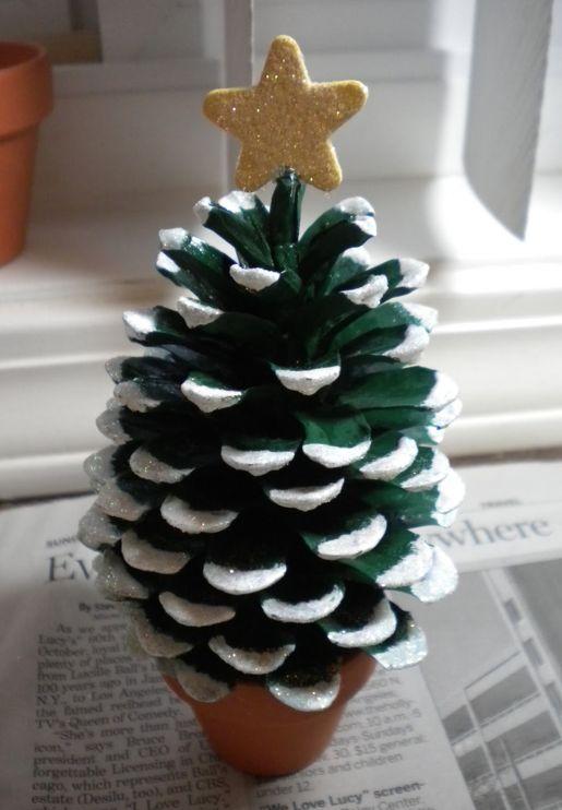 松ぼっくりクリスマスツリー                                                                                                                                                      もっと見る