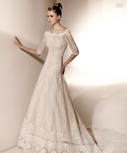 valentino bridal down - SWOON!Lace Weddings, Wedding Dressses, Lace Wedding Dresses, Modest Wedding Dresses, Vintage Wedding Gowns, Lace Sleeve, Sleeve Wedding Dresses, Dreams Dresses, Lace Dresses