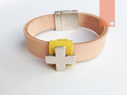 Leather bracelet ONETWOHAVE.COM