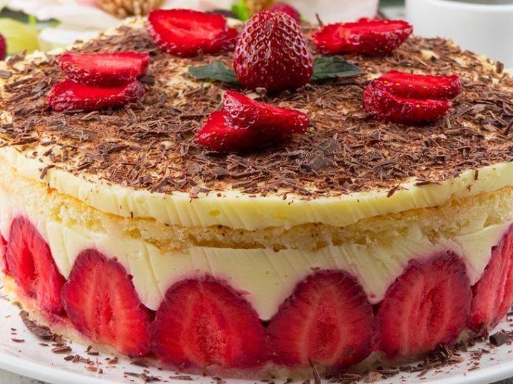 """Tort cu căpșuni """"Fraisier"""" – o perlă a patiseriilor franțuzești!"""